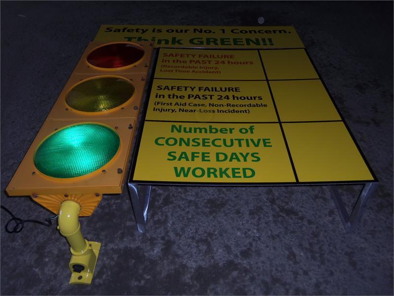 Traffic Light Safety Awareness Sign